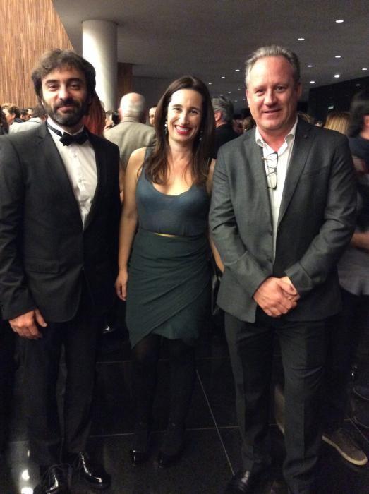 El director comercial de Información, Víctor San Bartolomé con Sofía Blasco y Javier Fur, de Marjal