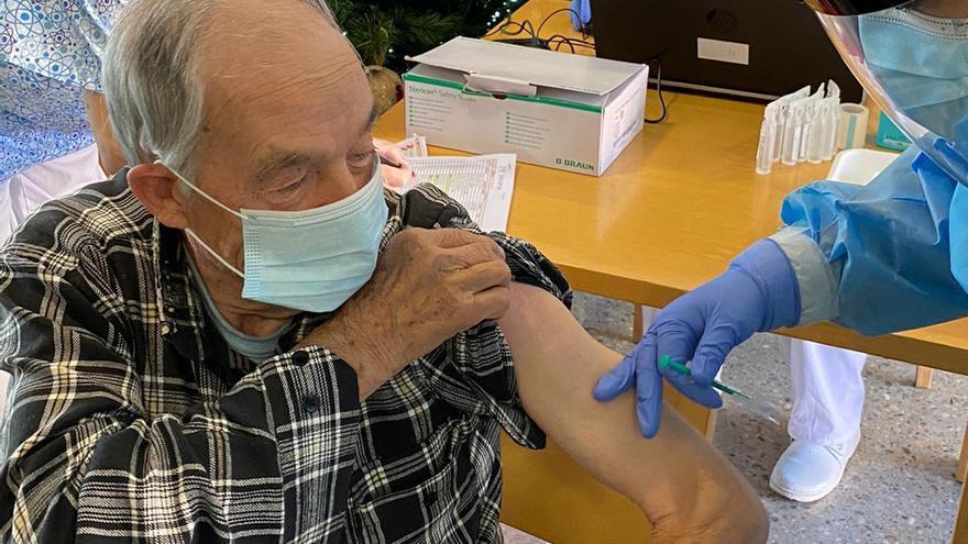 Vacunados ya en la residencia de Camarzana, que no ha tenido ni un solo contagio COVID en esta pandemia