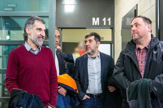 Trasllat dels polítics presos al judici de l'1-O
