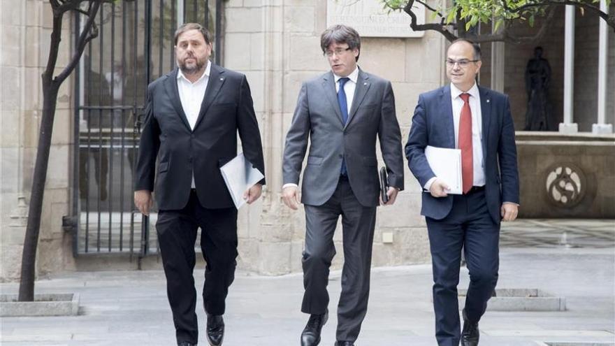 Puigdemont reúne de forma extraordinaria al Govern para analizar el 1-O