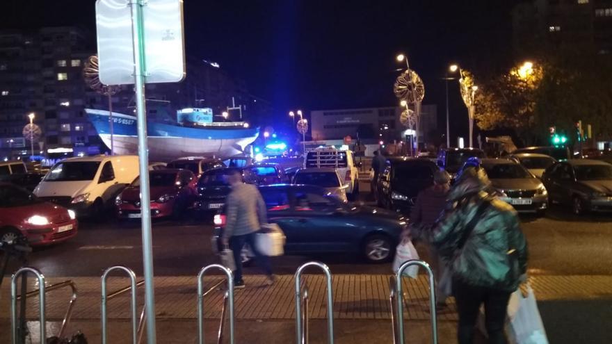 Herido un motorista tras chocar contra un coche en Vigo