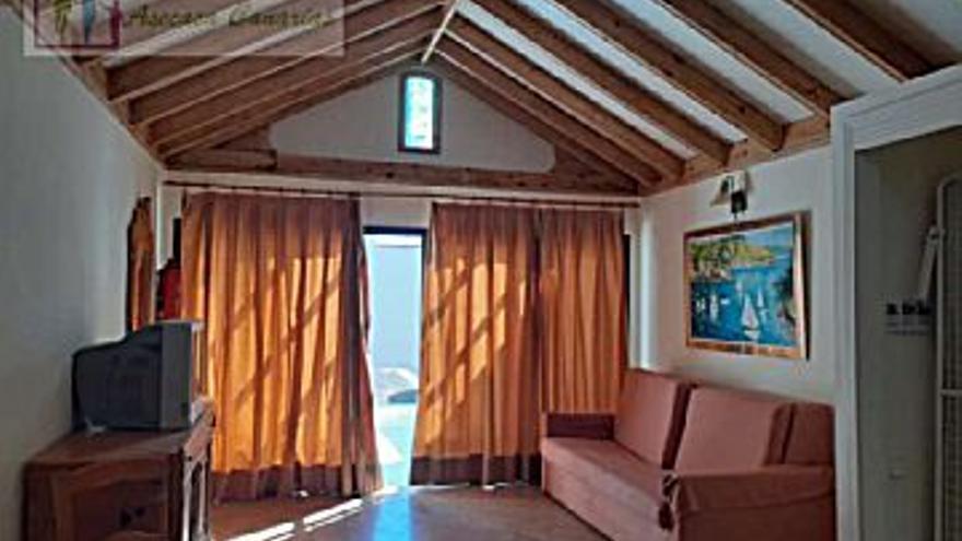 66.800 € Venta de piso en Teguise, 1 habitación, 1 baño...