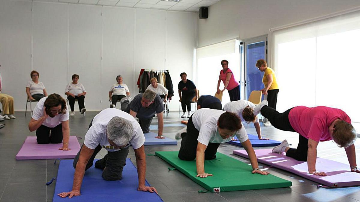Actividades físicas de los centros de mayores. | LEVANTE-EMV