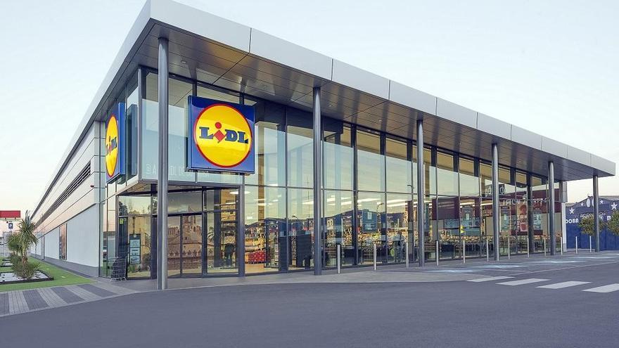 Lidl reinaugura una tienda en Torremolinos con una inversión de 3,7 millones