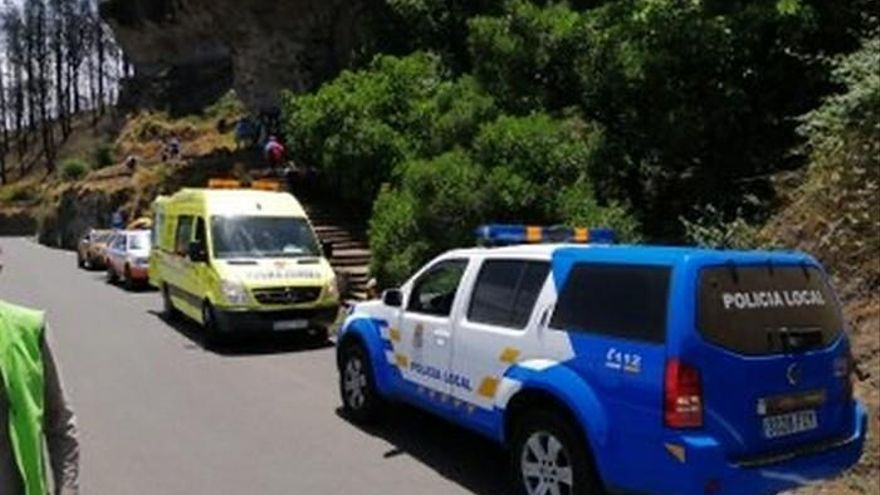 Una mujer resulta herida al precipitarse por un terraplén en Valleseco