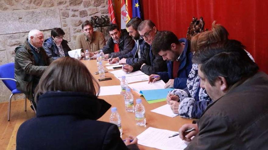 """El Ayuntamiento de Fermoselle prevé """"el total saneamiento"""" este año"""