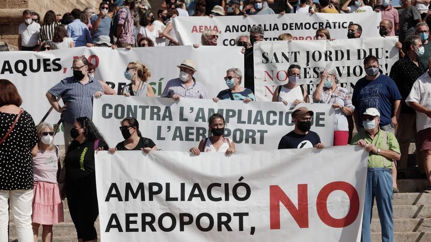 500 Demonstranten protestieren gegen Ausbau des Flughafens Mallorca