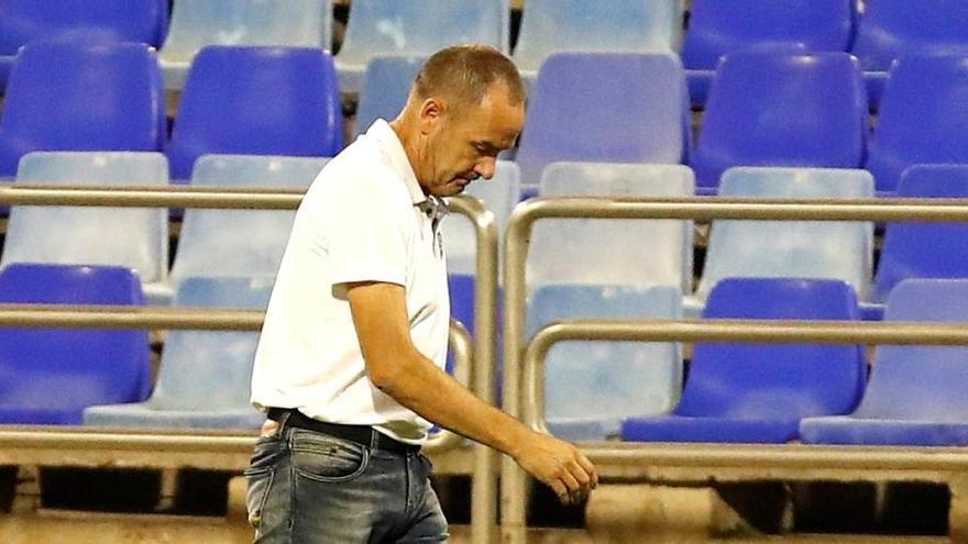 Víctor Fernández deja el banquillo del Zaragoza tras decir adiós al ascenso