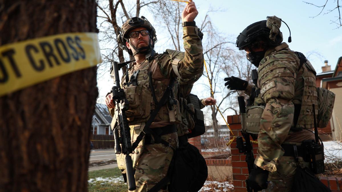 Las autoridades investigan en un tiroteo reciente en Colorado (EEUU)..