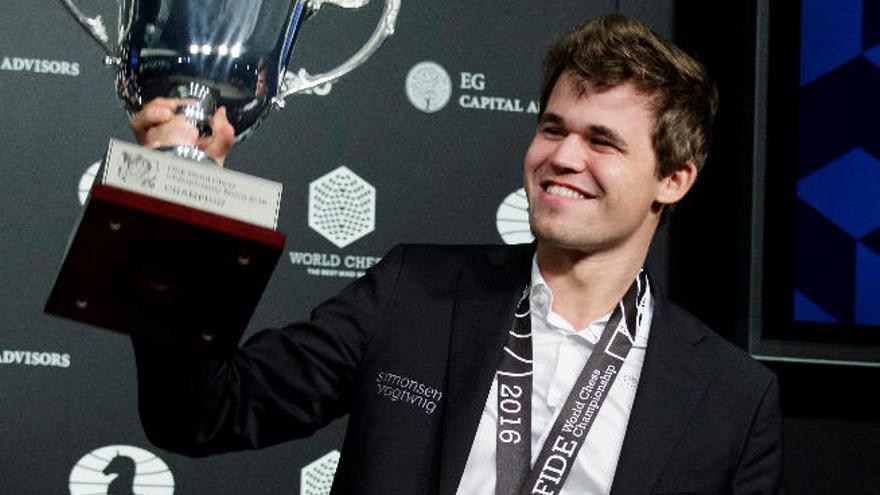 Carlsen, rey desde el vértigo