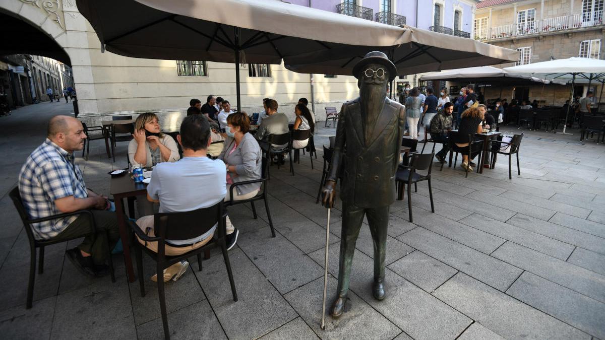 Terrazas en la plaza Méndez Núñez. // G. Santos
