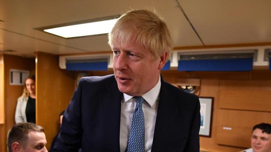 La libra, en caída libre por el Brexit duro de Johnson