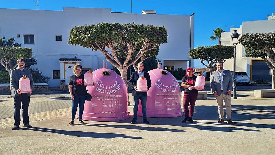 Iglús de vidrio rosas contra el cáncer de mama