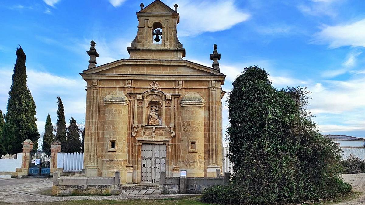 La ermita  de Nuestra Señora de las Angustias, cuya titularidad ha enfrentado a Ayuntamiento y parroquia. | M. C.