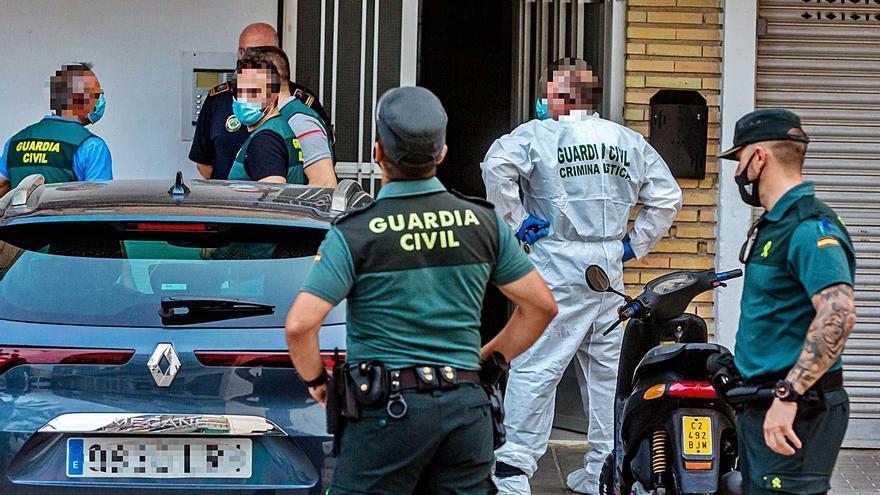 Un hombre degüella a su mujer en la Vila Joiosa y luego se quita la vida
