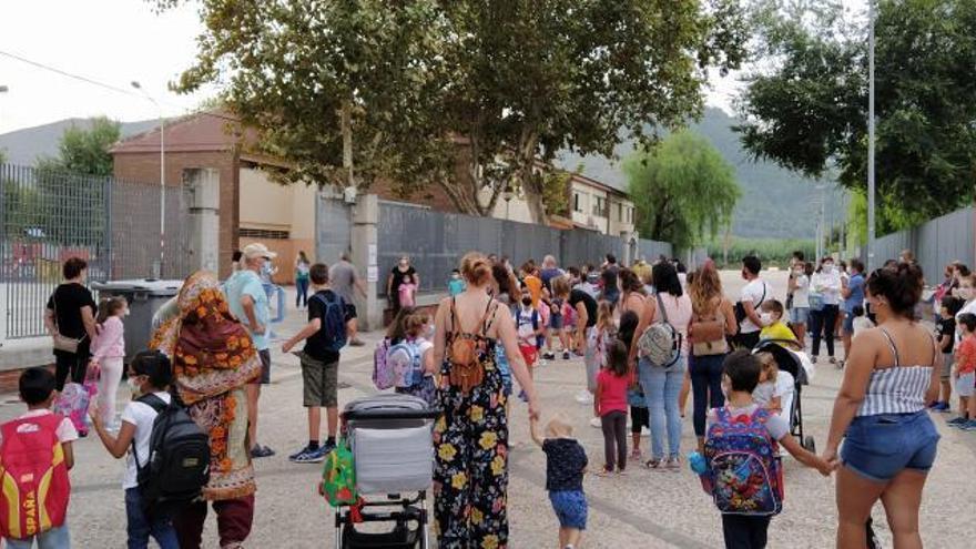 Gandia, Oliva y Tavernes desoyen a Puig y mantienen sin clase los días de fallas