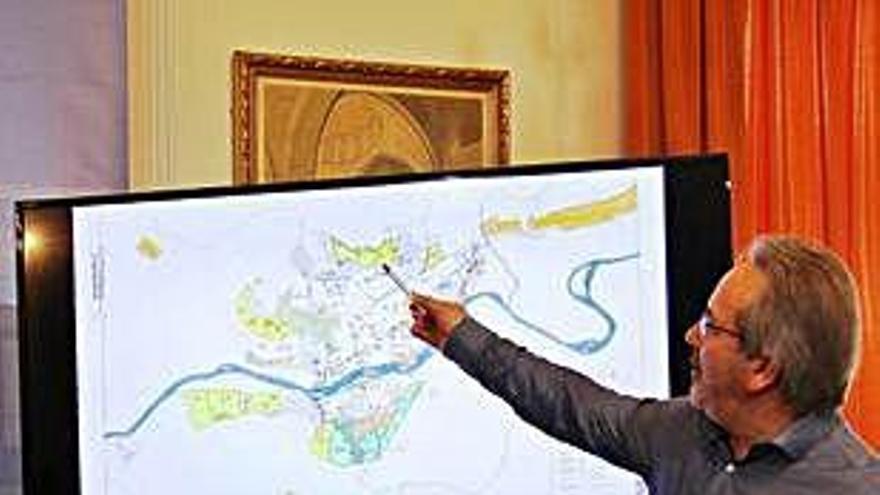 La capital pincha la burbuja urbanística de 2011 y renuncia a construir 26.000 pisos