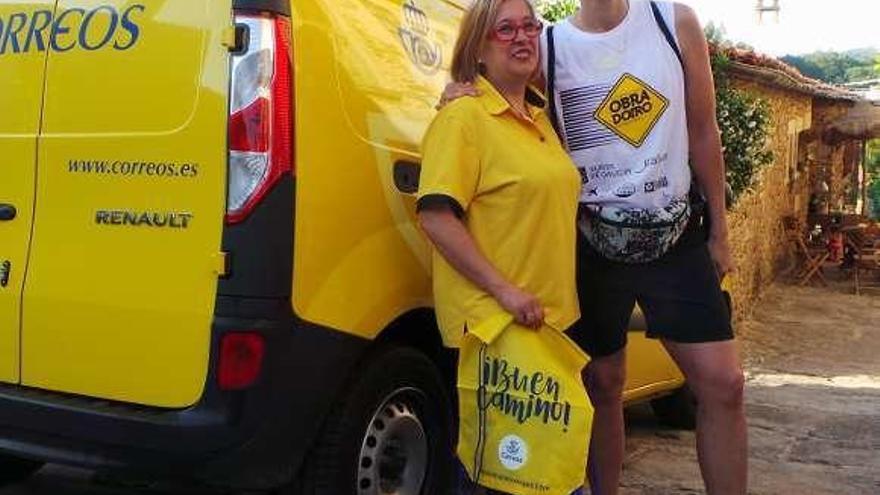 Correos presta apoyo al Obradoiro y a Valdemoro