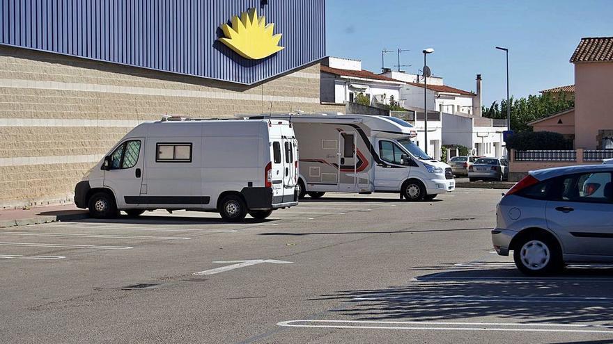 Els regidors no adscrits demanen un aparcament d'autocaravanes a l'antic camp de futbol de Figueres