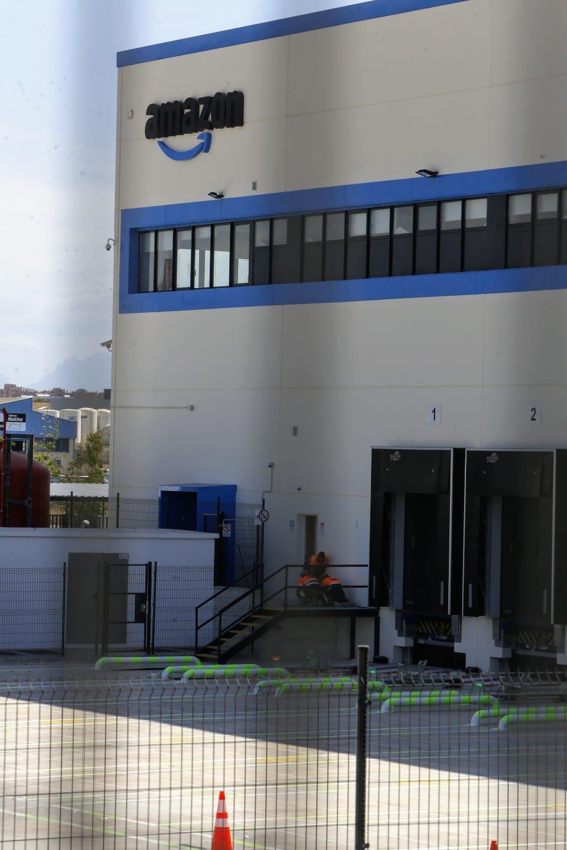 Amazon prepara su centro logístico en Alicante