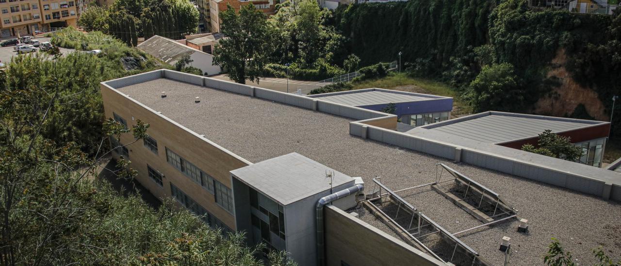 Edificio del Centro Específico de Enfermos Mentales de Alcoy, en el Barranquet de Soler.