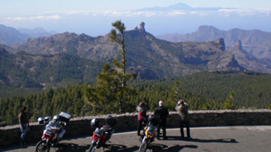 Cinco rutas en moto de ensueño por Gran Canaria