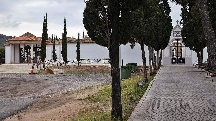 Parroquia y ayuntamiento comparten la gestión         del cementerio de Antella
