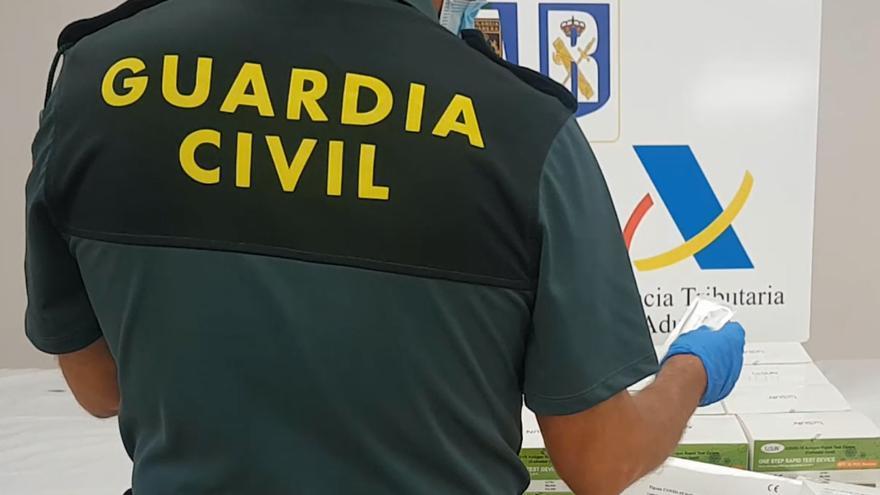 Intervienen 1.175 test covid procedentes de China en el aeropuerto de Palma