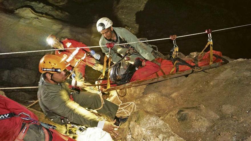 Preparando rescates en cuevas