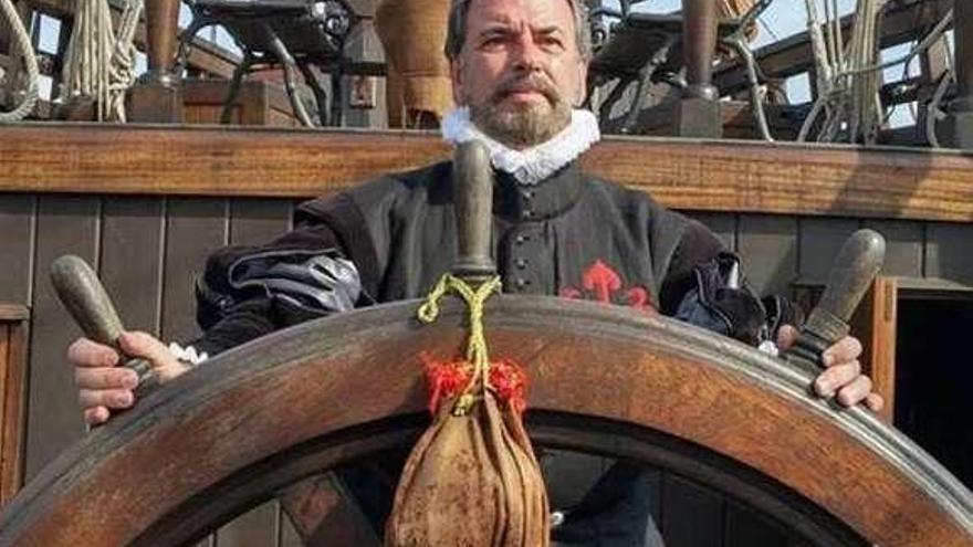 Pedro Menéndez sopla 500 velas americanas