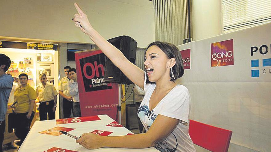 Chenoa pondrá música al estreno de Porto Pi Centro