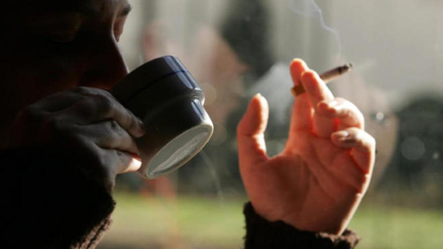 """Cafeína y tabaco, """"enemigos"""" de la tensión arterial alta - Levante-EMV"""