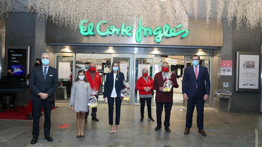 Consuelo y Carla encienden la esperanza de la Navidad