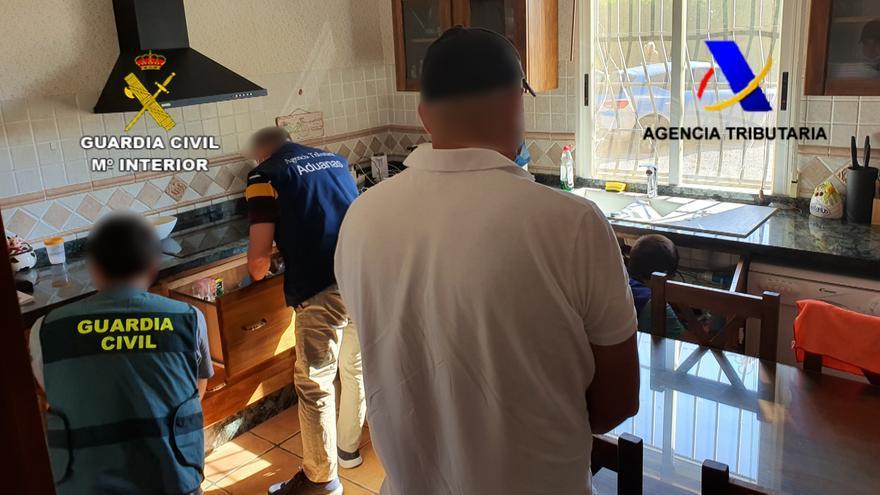 Cae una red que enviaba de Alicante a países de la UE droga oculta en palés de alimentos