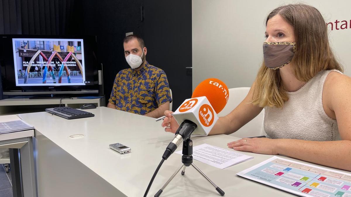 La regidora Claudina Relat i el tècnic municipal Hector Reina