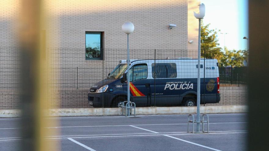 El bebé ingresado en la UCI de Castelló recibe el alta y los padres quedan libres con cargos