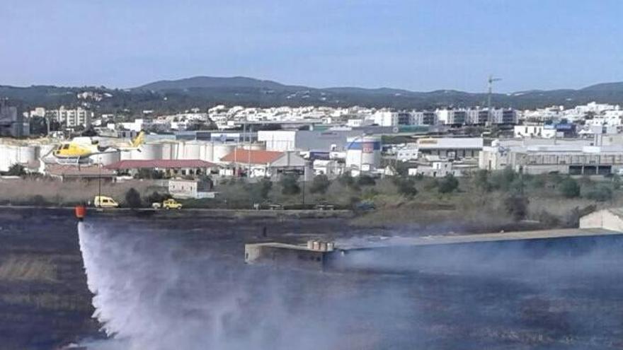 Ibiza tendrá helicóptero de extinción a partir de Semana Santa