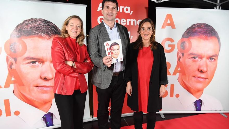 Pegada de carteles del PSOE en A Coruña