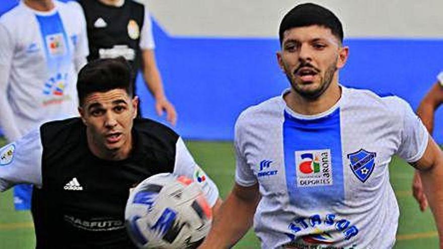 El Buzanada le remonta a un Atlético Victoria que acusa la expulsión de Adrián Plaza