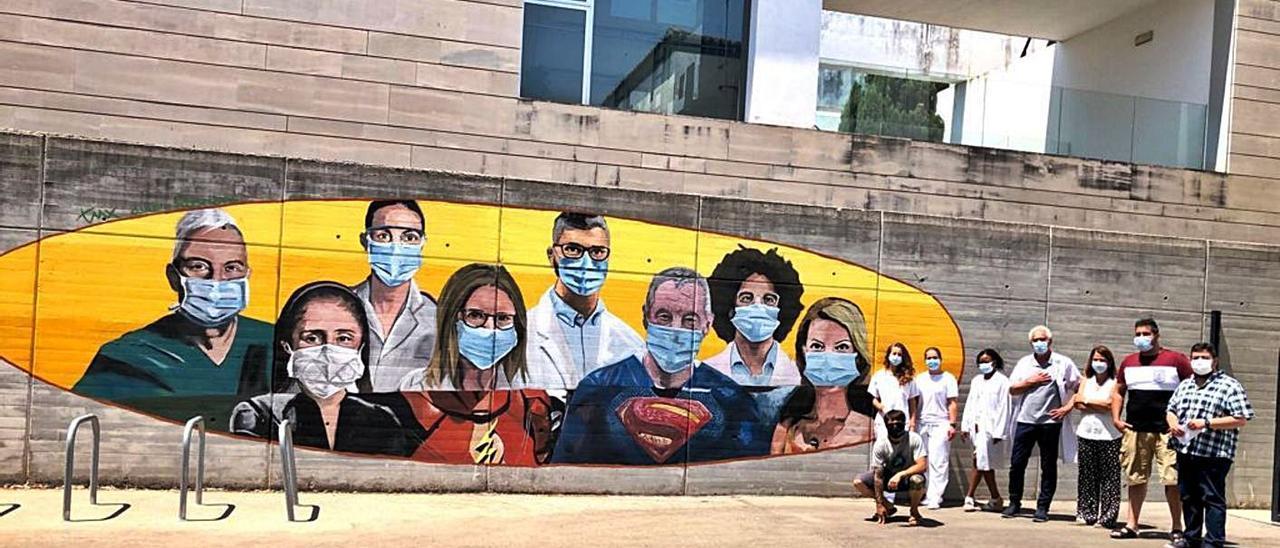 Bellreguard  Mural en homenaje a los sanitarios junto al centro de salud