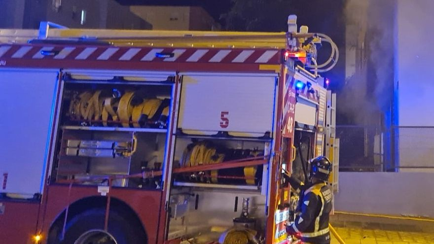 Un incendio en un transformador deja sin luz al centro de Santa Cruz