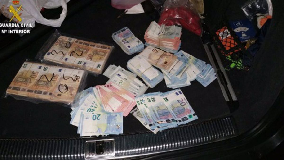 Dinero intervenido en la operación de Náquera