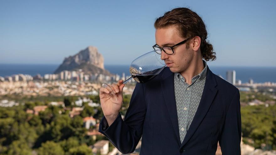 Carlos Cuenca: «El mejor vino es el que da placer, no el más caro»