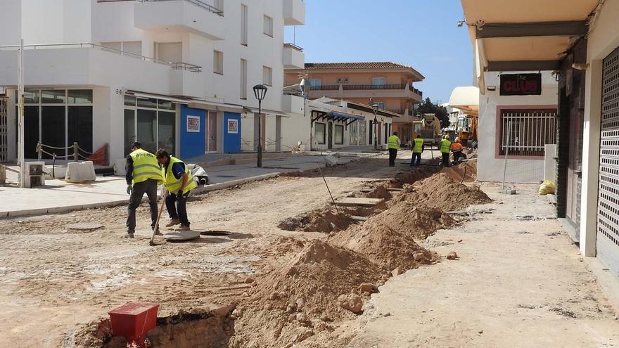 Semana Santa patas arriba en Formentera por el retraso en las obras en es Pujols