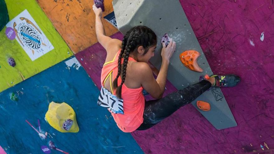 Araceli Vale, escaladora del Club Peña Trevinca Montañeros de Galicia
