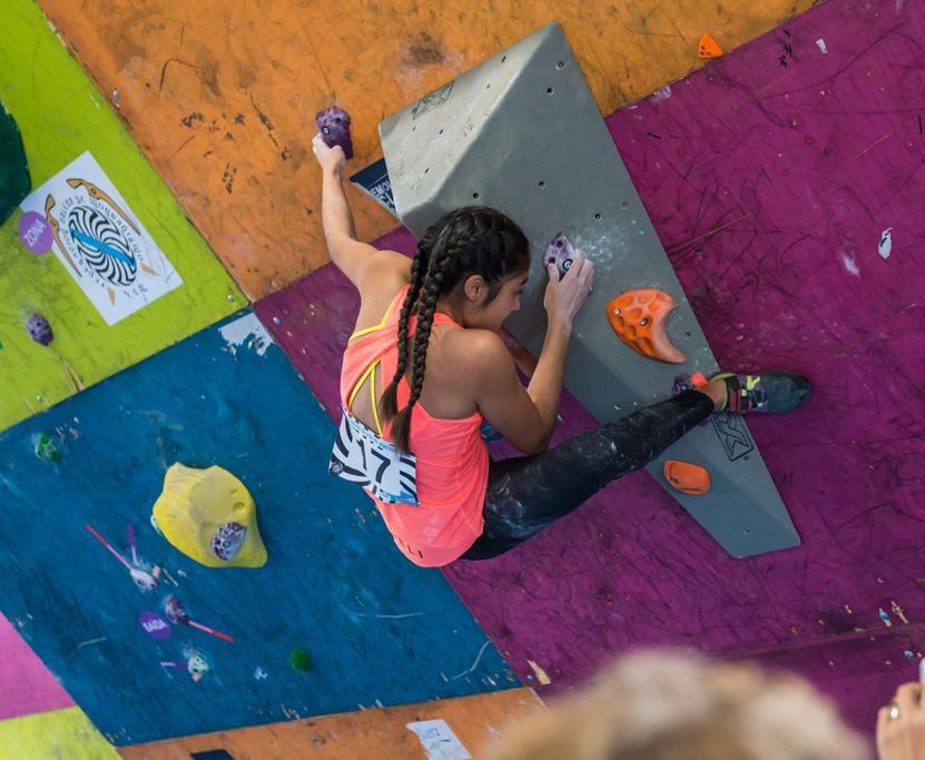 Araceli Vale, escaladora del Club Peña Trevinca Montañeros de Galicia, se proclamó este fin de semana campeona gallega absoluta
