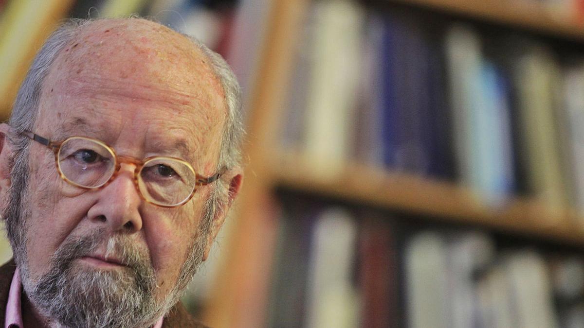 El escritor José Manuel Caballero Bonald (Jerez de la Frontera, 1926) murió ayer a los 94 años en Madrid. | EUROPA PRESS