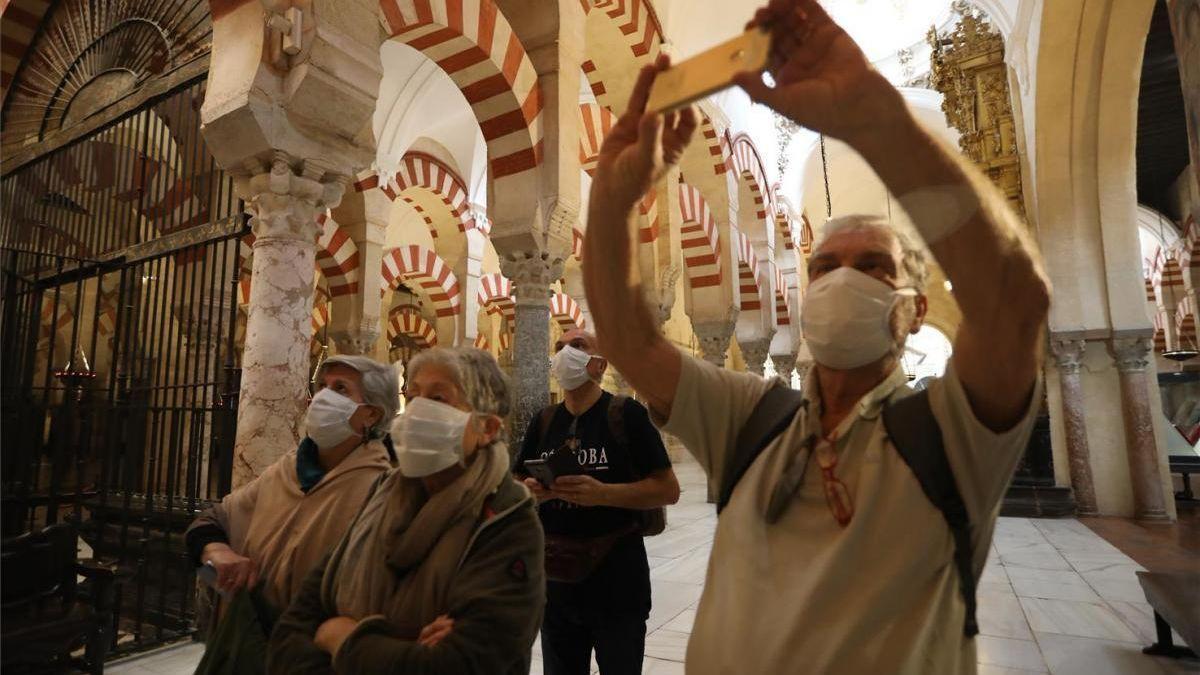 Turistas en la Mezquita-Catedral
