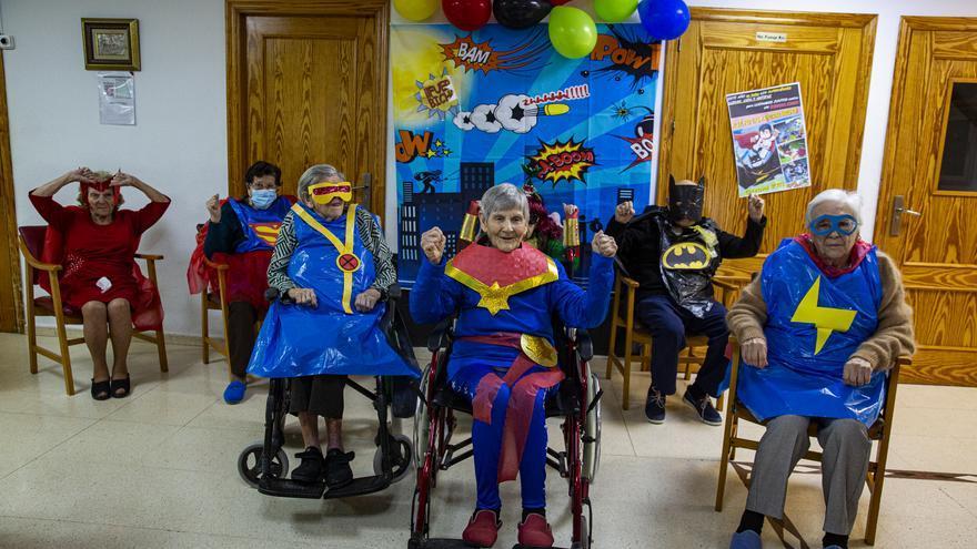 Los superhéroes del geriátrico
