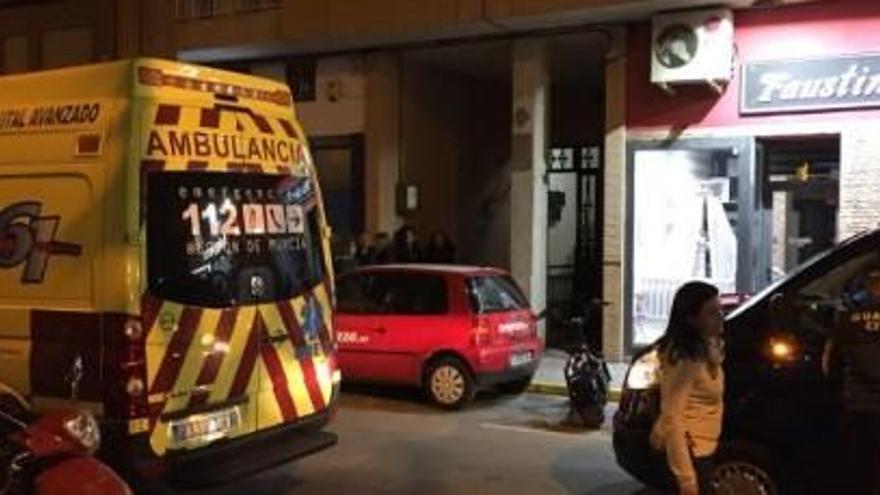 Muere un niño al estrangularse mientras jugaba con una cortina en Murcia